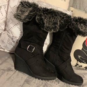 XO black boots with faux fur